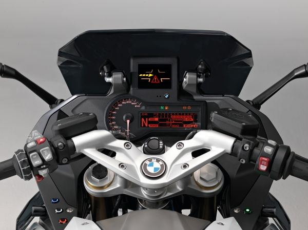 Avec la R 1200 RS ConnectedRide, pilotez en toute sécurité