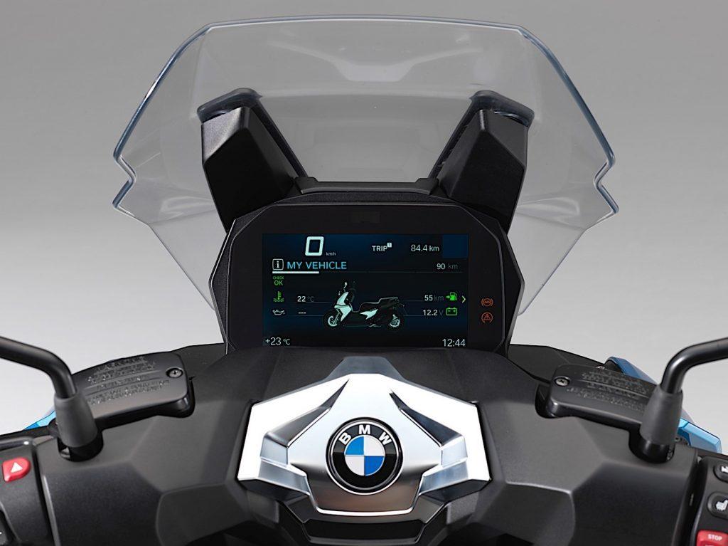 BMW Motorrad lance son nouveau scooter C 400 X à l'EICMA 2017