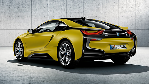 BMW i8 Protonic Frozen Yellow