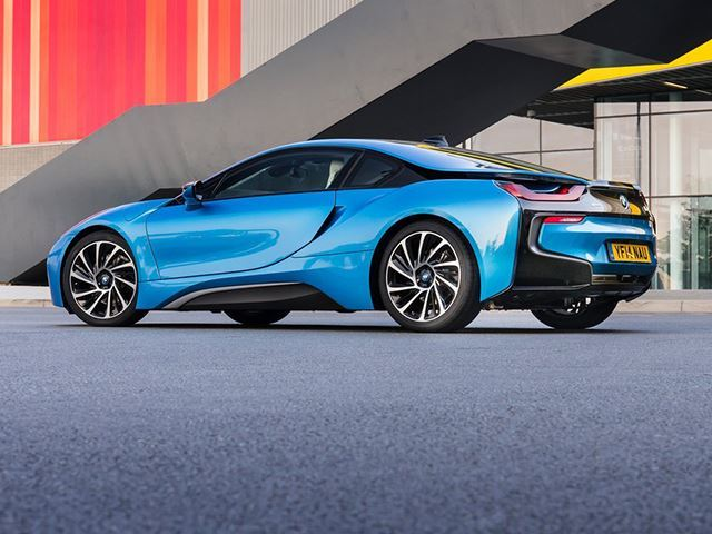 les bmw i8 d occasion s ach tent d sormais environ 2 fois moins cher bmw. Black Bedroom Furniture Sets. Home Design Ideas